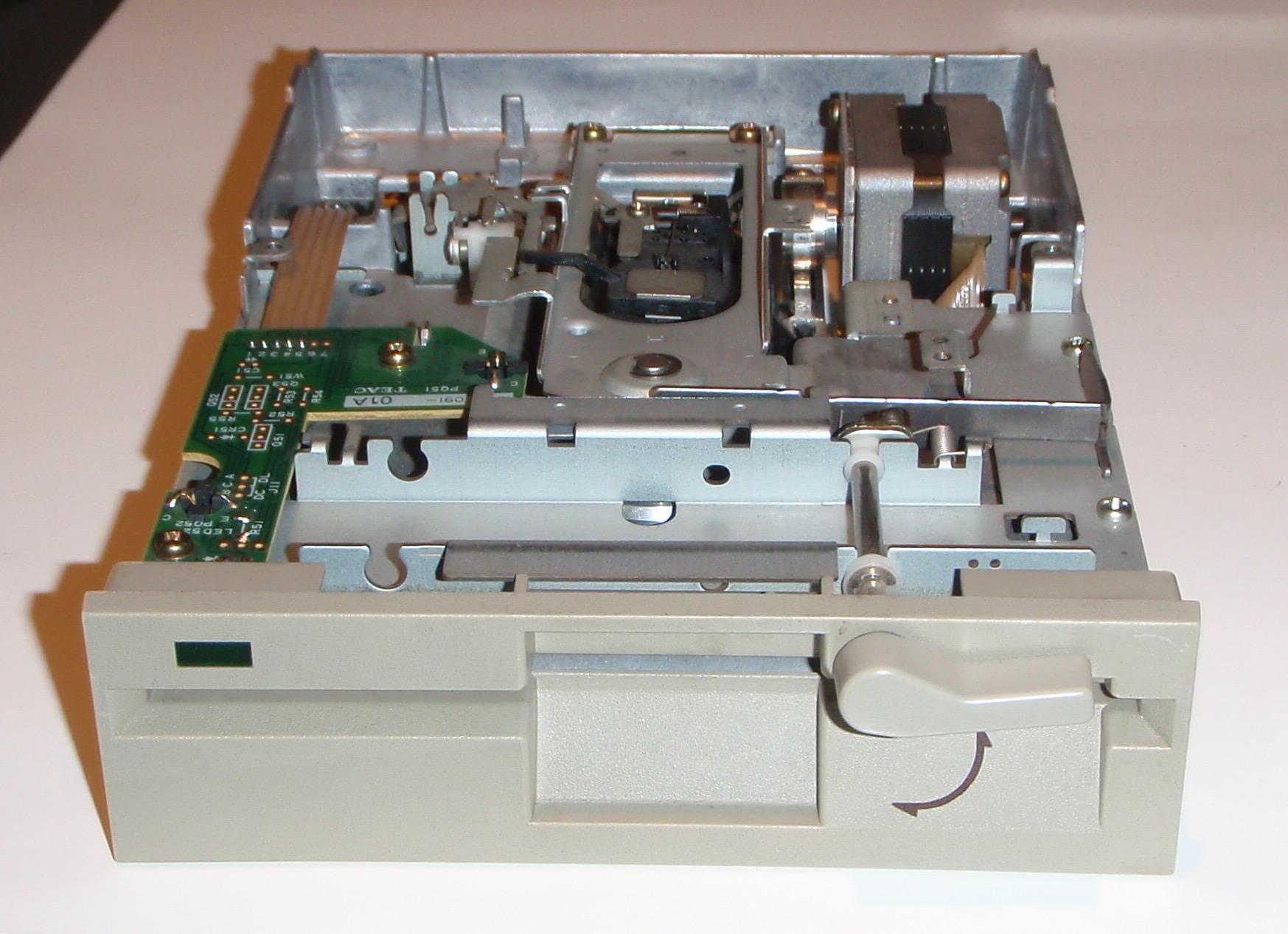 TEAC FD-55GFR avant